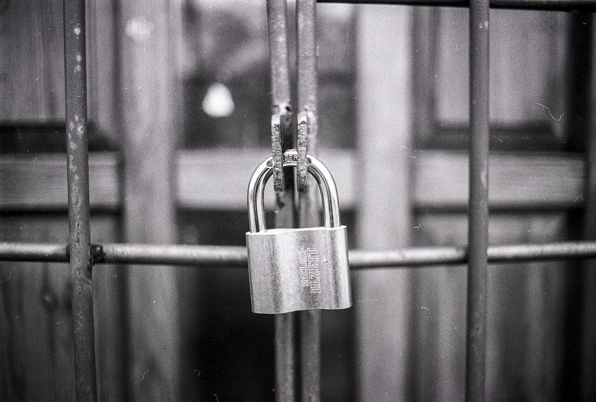 Access Black And White Blur 270514
